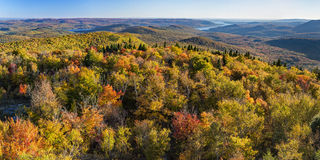 Södra panoramautsikt från Hadley Mountain Fire Tower Arkivfoto