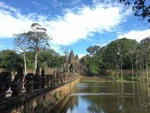 Södra port av Angkor Thom, Cambodja arkivfoto