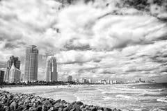 Södra strandsikt från pir, Miami Beach i Florida mest berömd turist- atraction Den flyg- sikten av södra Pointe parkerar och Arkivfoto