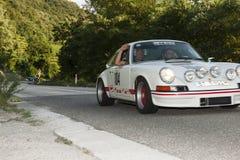 Södra tyrol klassiker cars_2015_Porsche 911 Carrera RS_schenna roa Royaltyfri Foto