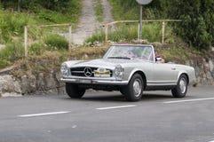 Södra Tyrol Rallye 2016_ Mercedes Benz 280 SL_silver Royaltyfria Bilder