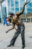 Söka efter mitten Omaha Nebraska, den min konstnären, clown arkivbild
