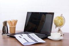 Sökande för ett ny jobb eller anställning royaltyfri bild