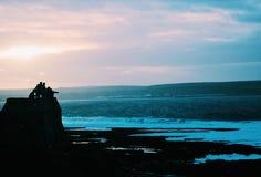 Sökande för vågor Arkivbilder