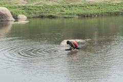 Sökandemineralpojke Hampi Indien Fotografering för Bildbyråer