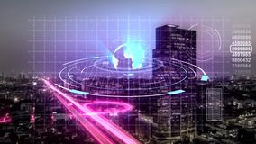Sömlös animering av digital hologramscanningteknologi av den moderna staden i affärs- och telekommunikationinternetnätverk stock illustrationer