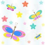 Sömlös bakgrund med blommor och fjärilar Stock Illustrationer