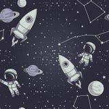 Sömlös bakgrund med gulliga klotterastronaut, planeter, raket och stjärnor Arkivbilder