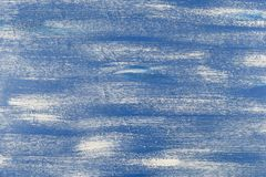 Sömlös djärv modell med tjocka penseldrag och thin bandhanden som målas i blått- och vitfärger Dynamiskt randigt Arkivfoto