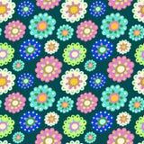Sömlös färgmodell med överflöd av blommor Arkivbilder