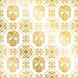 Sömlös guld- prydnad av skallar med blommamodellen stock illustrationer
