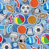 Sömlös illustration av olika sportbollar, pilar och flaggor Arkivbilder