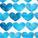 Sömlös modell av blåa texturerade hjärtor på en vit bakgrund royaltyfri illustrationer
