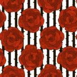 Sömlös modell av dekorativa röda rosor på en randig svart och Royaltyfri Bild