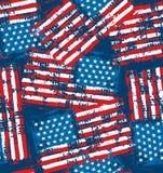 Sömlös modell för amerikanska flaggan med grungenödlägetextur Royaltyfria Bilder