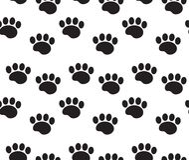 Sömlös modell för djura spår Hunden tafsar spår som upprepar textur, ändlös bakgrund också vektor för coreldrawillustration stock illustrationer
