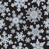 Sömlös modell för frostat fönster med detaljerade snöflingor royaltyfri illustrationer