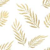 Sömlös modell för guld- tropiska sidor Royaltyfri Fotografi