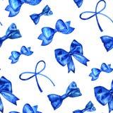 Sömlös modell för handmålarfärgvattenfärg med blåa pilbågar Fotografering för Bildbyråer