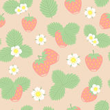 Sömlös modell för jordgubbebär-, sida- och blommavektor Royaltyfri Foto