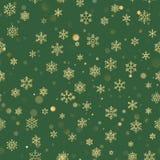 Sömlös modell för jul med guld- snöflingor på grön bakgrund Semestra designen för jul och nytt år stock illustrationer