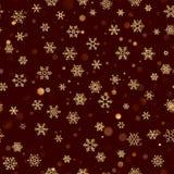 Sömlös modell för jul med guld- snöflingor på mörk brun röd bakgrund Semestra designen för jul och nytt år royaltyfri illustrationer
