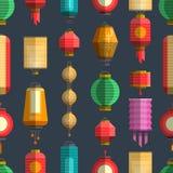 Sömlös modell för kinesiska färgrika lyktor vektor illustrationer