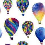 Sömlös modell för vattenfärg med ballongen för varm luft Royaltyfria Bilder