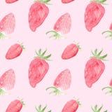 Sömlös modell för vattenfärg med jordgubbar Hand dragen design, rosa bakgrund, sommarfruktillustration För Royaltyfri Illustrationer