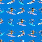 Sömlös modell för vattenfärg med surfare på blå bakgrund, ljus hand-dragen bakgrund royaltyfri illustrationer