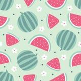 Sömlös modell för vattenmelon med blommor på grön bakgrund också vektor för coreldrawillustration Arkivbilder