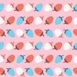 Sömlös modell för vektor av den gulliga färgrika jordgubben i rad royaltyfri fotografi