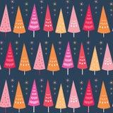 Sömlös modell för vektor av ljusa Chrismas träd och stjärnor Ytbehandla ideal för modelldesignbakgrund för jul stock illustrationer
