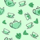 Sömlös modell för vektor med det gröna tebladet, tekannor och koppar Textur för handteckningstappning stock illustrationer