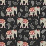 Sömlös modell för vektor med indier dekorerade elefanter vektor illustrationer