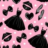 Sömlös modell för vektor, textur, tryck med flickor stilfull tillbehör, skönhetsmedel, kvinnamaterial på den rosa bakgrunden royaltyfri illustrationer