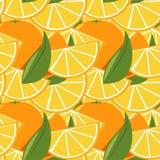 Sömlös modell med apelsiner och sidor Arkivfoton