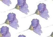 Sömlös modell med blåa blommor som målas med vattenfärger royaltyfri illustrationer