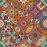 Sömlös modell med dekorativa mandalas Tappningmandalabeståndsdelar arkivbild