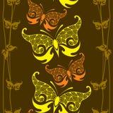 Sömlös modell med den dekorativa fjärilen och linjer Stock Illustrationer