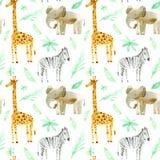 Sömlös modell med den gula giraffet, sebran, elefanten och lövverk Royaltyfri Fotografi