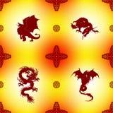 Sömlös modell med drakar och orientaliska prydnader Royaltyfri Fotografi