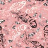 Sömlös modell med fjädrar och pärlor på rosa bakgrund royaltyfri illustrationer