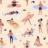 Sömlös modell med folk som ligger på stranden och solbadar, läseböcker, surfare som bär surfingbrädor Bakgrund med royaltyfri illustrationer