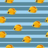 Sömlös modell med gula tropiska havsfiskar på blå bakgrund ocks? vektor f?r coreldrawillustration vektor illustrationer