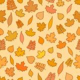 Sömlös modell med guling- och apelsinsidor, säsongsbetonad höstbakgrund, nedgångtapet Stock Illustrationer