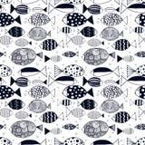 Sömlös modell med ljusa fiskar Outlne klotterkonst vektor illustrationer