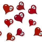 Sömlös modell med röda hjärtor och skallar på vit Arkivbilder