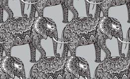 Sömlös modell med stiliserade dekorativa elefanter i indierst Royaltyfri Bild