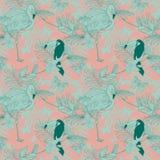 Sömlös modell med tropiska fåglar, växter och fjärilar Royaltyfri Foto